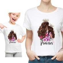 Одинаковые футболки с круглым вырезом для мамы и детей с принтом принцессы