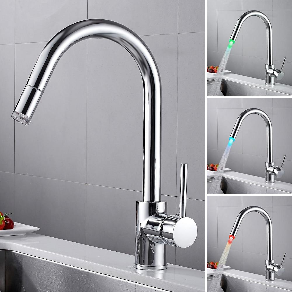Robinet de cuisine de LED tirer vers le bas robinet de montage de pont à poignée unique pour mélangeur de cuisine