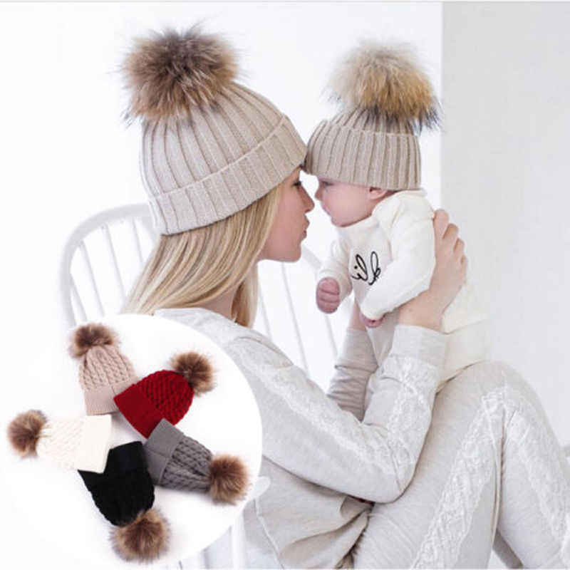 5 kleuren Moeder En Baby Hoed met Pompon Warm Wasbeer Bont Bobble Beanie Kids Katoen Gebreide Ouder-kind Hoed winter Caps Xmas Gift