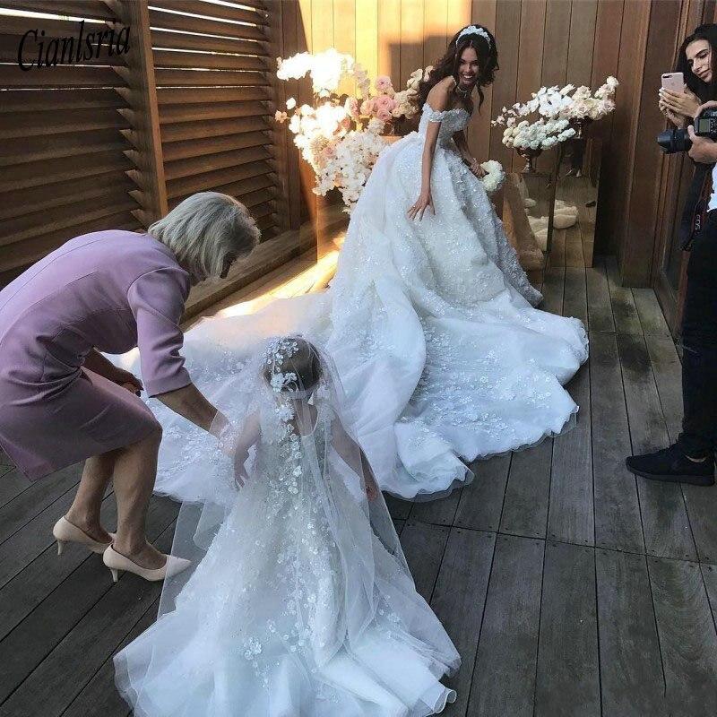 Romântico Flores vestido de Baile Lace Vestido de Noiva 2019 de Luxo Catedral Trem Vestido De Noiva Sexy Vestidos de Casamento Da Luva Do Tampão