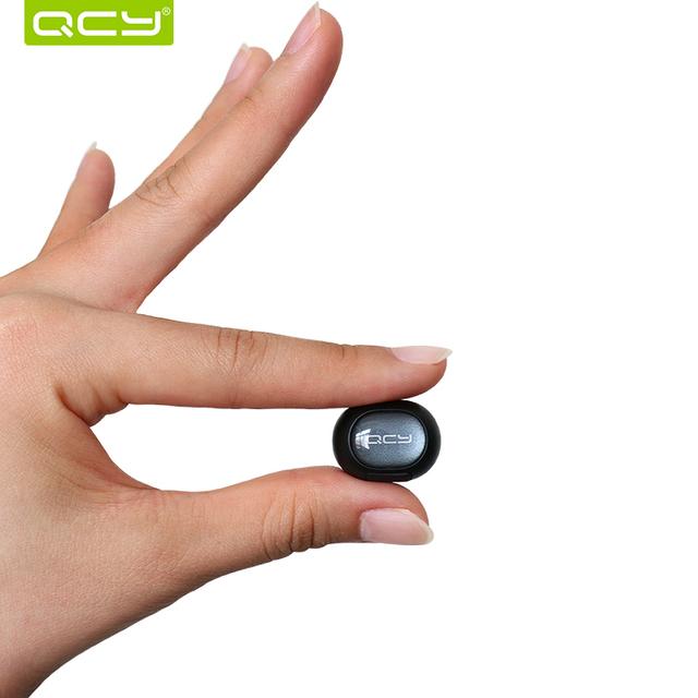 Qcy sets q26 inglés mini auricular inalámbrico de llamadas de coche de negocios auriculares bluetooth auricular con micrófono para iphone 5 6 7 Android