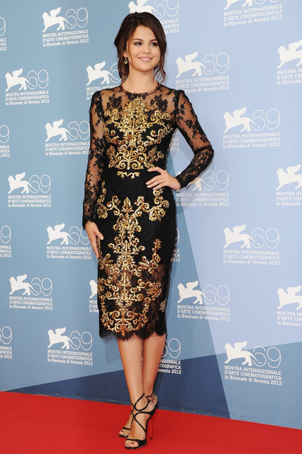 Vestidos De Festa 2016 Long Sleeves evening dress Selena Gomez A-line Lace Embroidery Appliques Red Carpet Celebrity Dresses