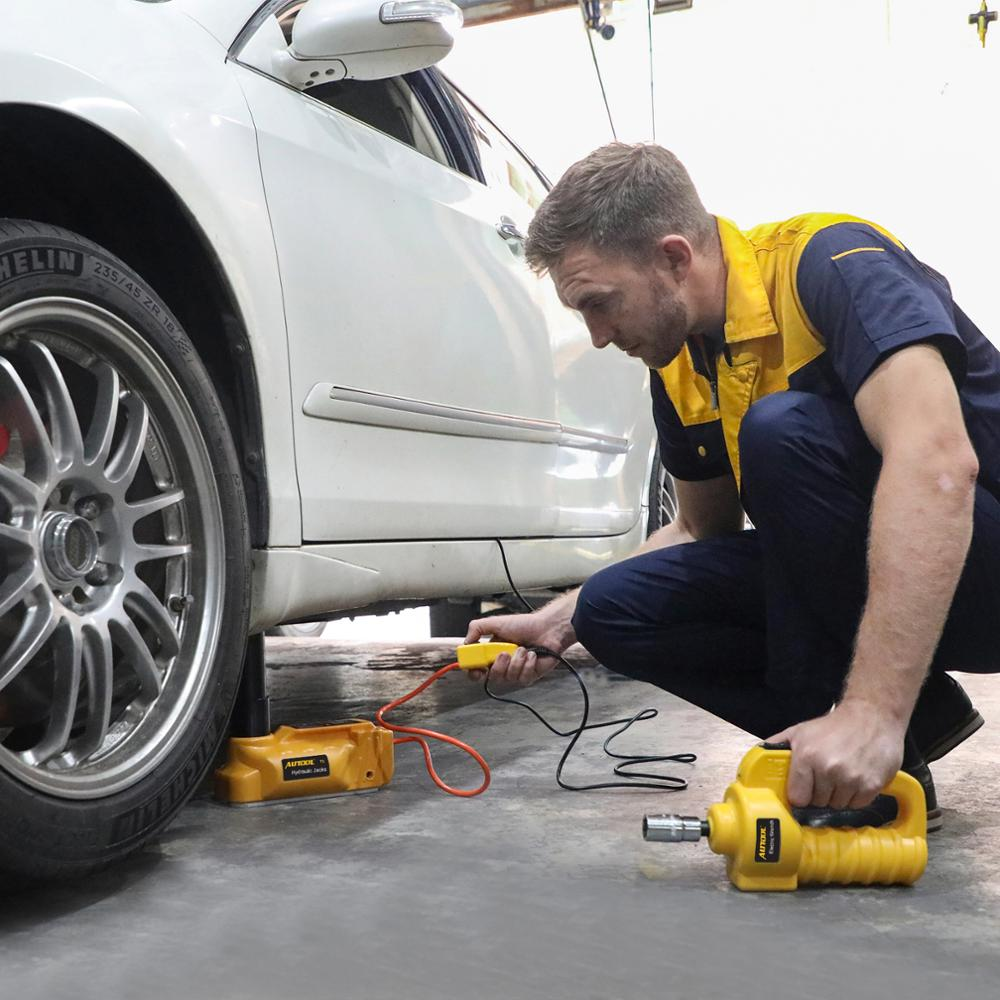 Les vérins hydrauliques de plancher d'ascenseur électrique de 5T 12V le pneu électrique de Jack remplacent des crics portatifs de voiture de levage - 6