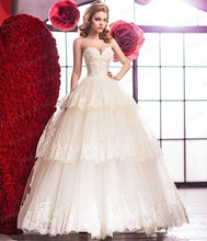 Fluffy Tulle Skirt Bride Dress Ball Gown Sweetheart Appliqued Sweep Train Tiered Bottom Wedding Dress With Top Flowers MF623