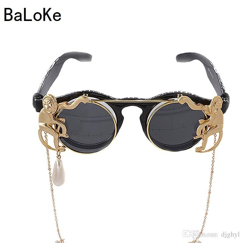 2018 Hot Fashion Retro Round Monkey Metal Chain Decoration Baroque Sunglasses Women Luxury Brand Designer Clamshell Cool Eyewear
