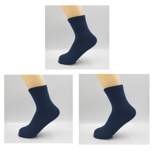 3Pcs/Lot men business Socks Embroidery bee Breathable Cotton socks Men Deodorant casual blue white black short mens gifts