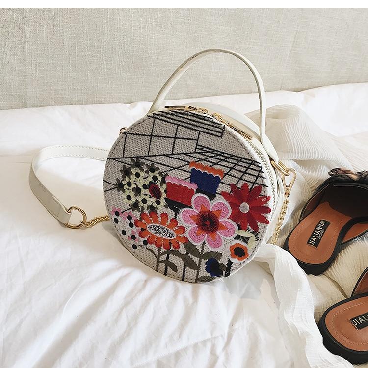 Bolsa Redonda con Bordado Flor, Bolsa Femenina Bordada