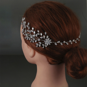 Image 3 - Tiaras And Crowns HADIYANA New Fashion Wedding Hair Accessories Charming Luxury Elegant For Women Zircon BC4860 Accesorios Mujer