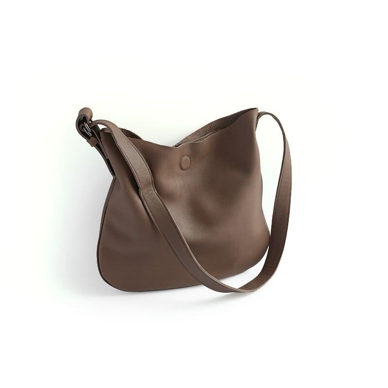 Здесь можно купить  Vendange retro casual women genuine leather bag simple handmade cow-leather messenger bag 2352  Камера и Сумки