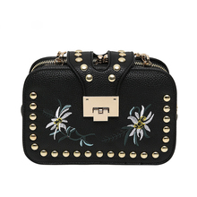 National Women Shoulder Bags Embroidery Flowers Printing Small Flap Crossbody Bag for Lady Messenger Bags with Fashion Rivet