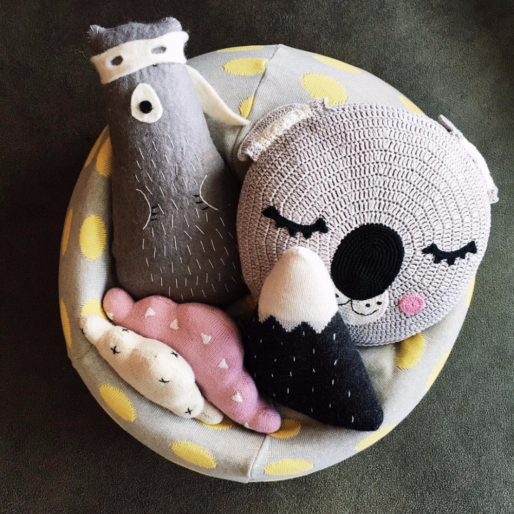 Cartoon Handmade Knitted Bear Rabbit Baby Pillow Sleep Toys Stuffed Plush Dolls Gifts For Kids Baby Room Decorative Pillows