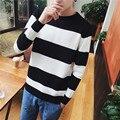 2017The весной и осенью период и тонкий мужчины водолазку воротник свитера свитер городской мальчик черные и белые полосы