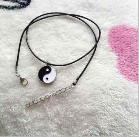 392X2018 Venta caliente retro cuerda de cuero joyería de estrella de cinco puntas de la Cruz de triángulo pluma hoja colgante de Luna cadena de clavícula