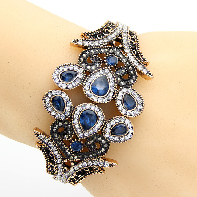 Fati-Crystal-Bangle-Bracelet-4