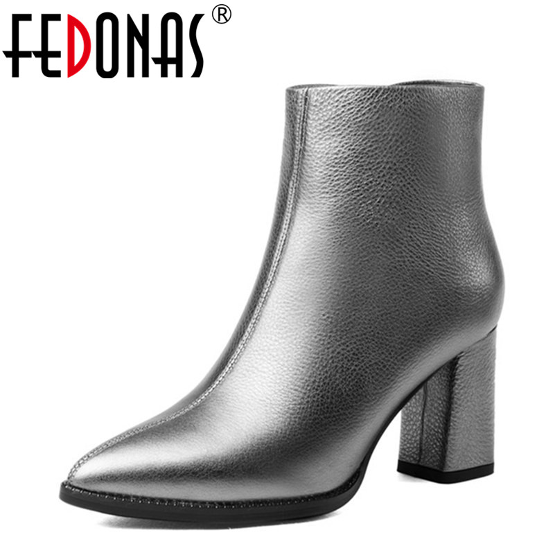 FEDONAS Fashion Women European Style Ankle Boots Women Genuine Leather Shoes Woman Pointed Toe Zip Winter Warm Martin Snow Boots vtota fashion european style black ankle boots zip martin boots platform pu leather woman shoes with warm plush winter boots j19