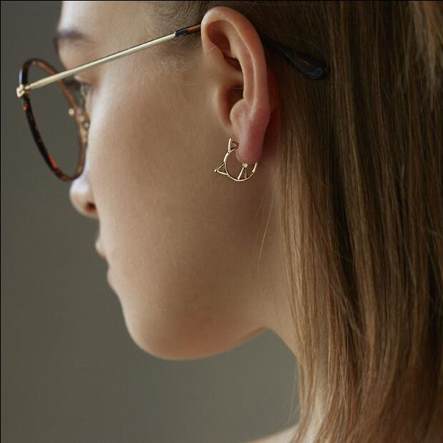 Timlee E146 Cute Hollow Cat Alloy Studs Earrings,Fashion Jewelry.