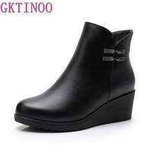 GKTINOO 2020 جلد طبيعي أحذية الشتاء الدافئة أحذية النساء حذاء من الجلد الإناث أسافين أحذية النساء التمهيد أحذية منصة