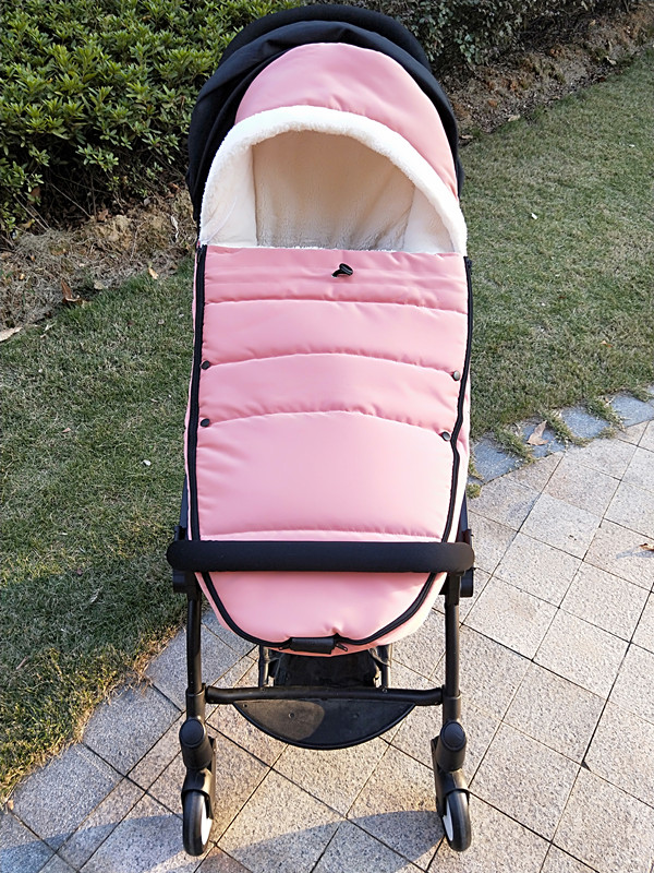 bbz Yoyo bee Yuyu vovo yoya  cybex,yoyaplus and other general wind proof and warm feet sleeping bag.bbz Yoyo bee Yuyu vovo yoya  cybex,yoyaplus and other general wind proof and warm feet sleeping bag.