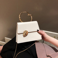 2019 Bow knot Handle Handbags Women Fashion Shoulder Messsenger Bag Elegance Chains Designer Phone Purses Small Flap Bags