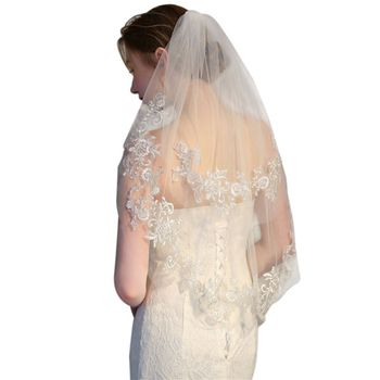 Two-Layer Women Short Wedding Veil Embroidered Glitter Silver Wire Floral Lace Trim 2 Tier Delicate Bridal Mesh Veil With Comb Bridal Veils