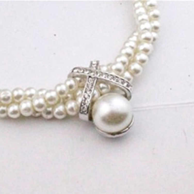 2019 Pearl Twist Necklace Multilayer Simulation Pearl Necklace Cute Rhinestone Pendant Necklace Women Fashion Jewelry
