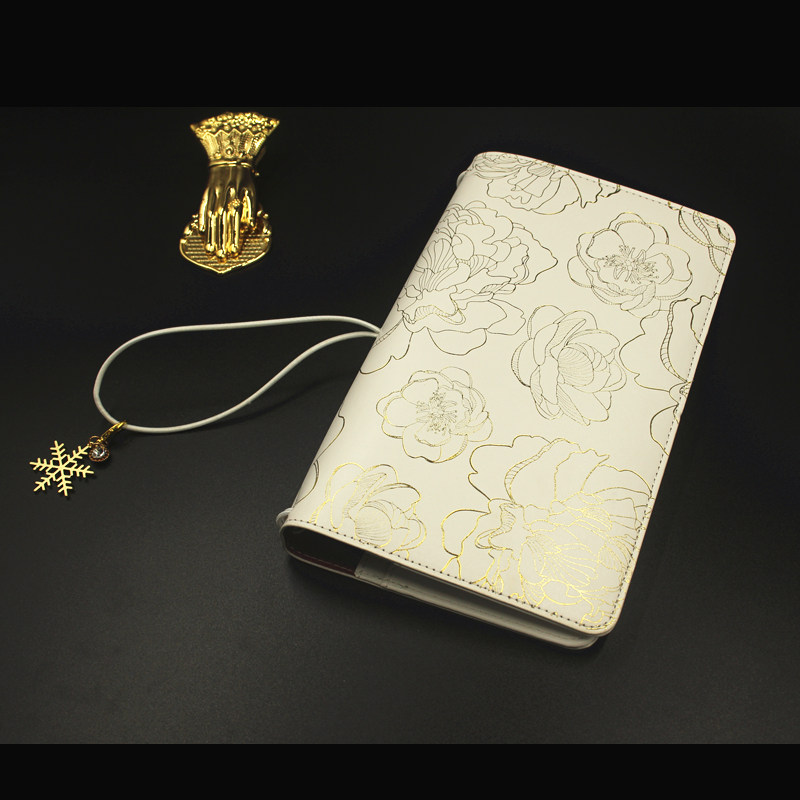 Lovedoki Traveler's Notebook Golden Flower Hot Stamping Cover 2018 Personal Diary Planner Gift Stationery Store School Supplies hot lovedoki foil gold spiral 2018 a5a6 planner traveler s notebook personal diary gift stationery store school wj xxwj378 best