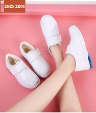 Купить с кэшбэком white nurse shoes 2020 women flat genuine leather leather shake shoe Breathable nurse's shoe white work shoes platform woman