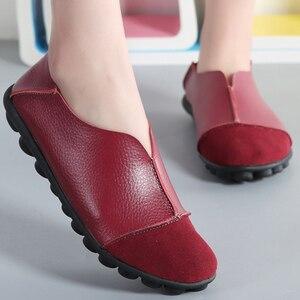 Image 2 - Zapatos planos de piel de vaca auténtica para mujer, mocasines suaves de talla grande 41 43, calzado antideslizante de superestrella