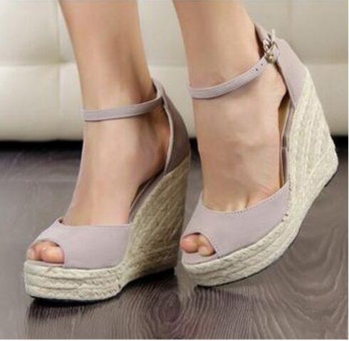 Mulheres sandálias Sapatos 2017 Senhoras Sandálias de Salto Alto, Verão das Mulheres Do Dedo Do Pé Aberto Botão Palha Plataforma Cunhas Trança Plataforma de Praia sandálias das mulheres