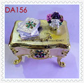 European Dresser Trinket Box Chest Shaped Trinket Toilet Table Jewelry Box Cute Make Up Dress Trinket
