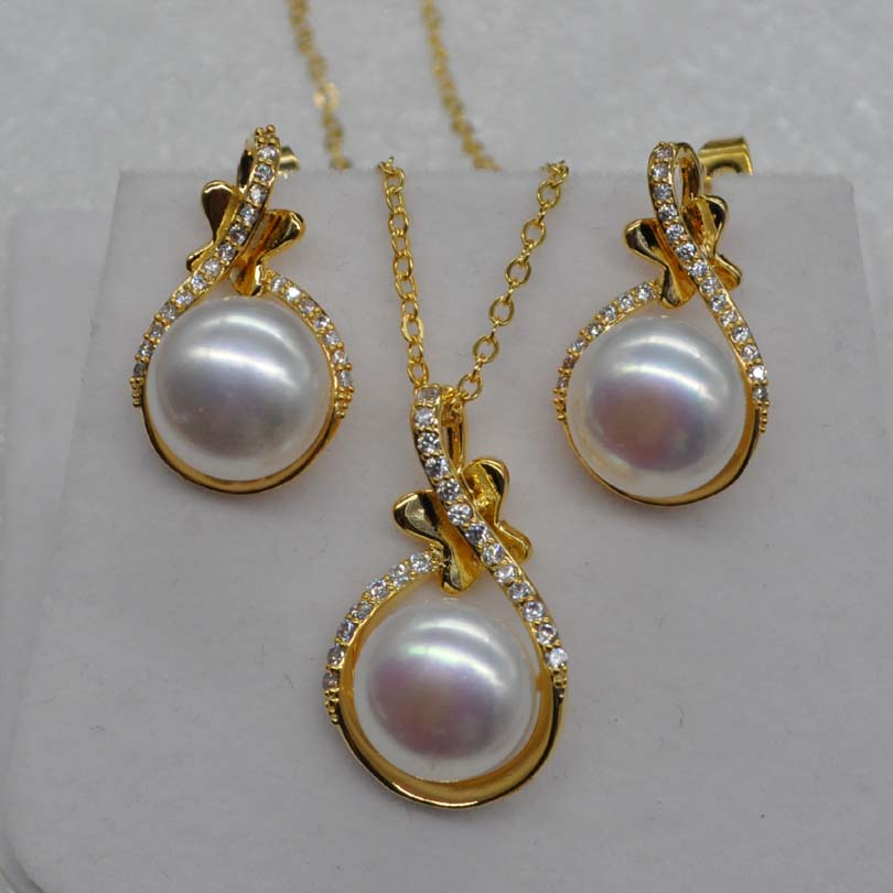 AAA Natural very luster rare white 11.5mm FW pearl pendant earring setAAA Natural very luster rare white 11.5mm FW pearl pendant earring set
