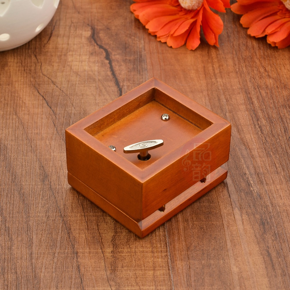 Wooden craft boxes to decorate - Aliexpress Com Buy Ordinary Spiral Movement Annatto Music Box Family Decoration Wooden Craft Music Festival Gifts Box Of 20 New Music Selection From