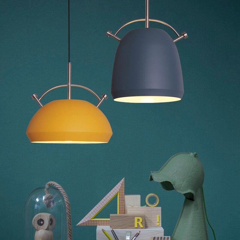 цена на Fashion Colorful Modern Wood Pendant Lights Lamparas Minimalist design shade Luminaire Dining Room Lights Pendant Lamp