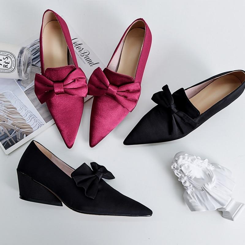 feab709fae42ad Marque 2019 Printemps Pointu Qualité Parti Dames Mode De violet Zvq Talons  Nouveau Style Bout Bonne Black Bowtie Pompes Femme Chaussures Femmes  xqwzvUn6