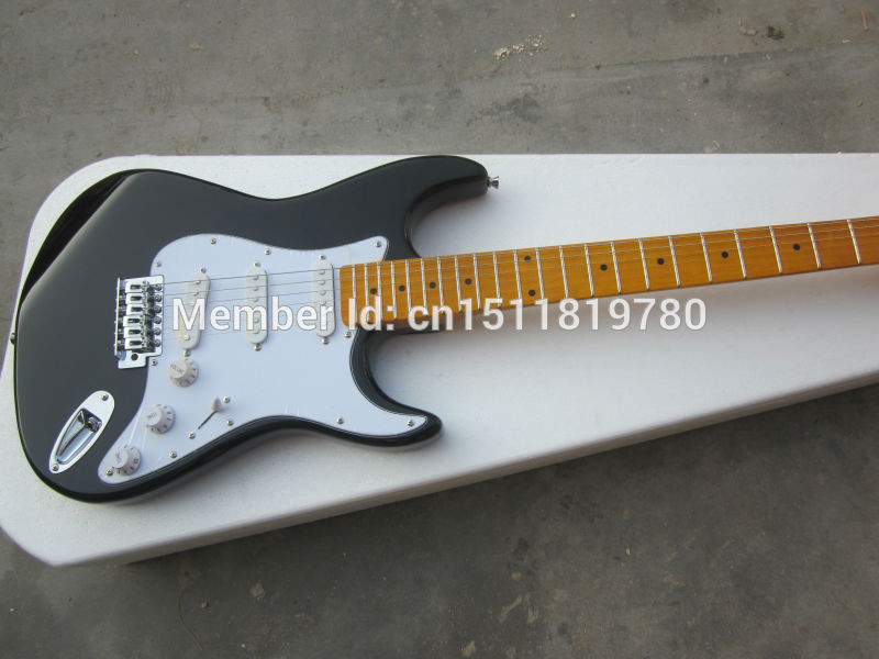 Free shipping st electric guitar/black guitar/guitar in chinaFree shipping st electric guitar/black guitar/guitar in china