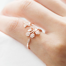 HUITAN 3D Butterfly Flower Open Ring With Clear Stone Lifelike Birthday Gift For Girl Romantic Cocktail Party Women