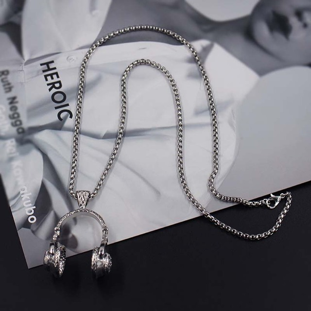 Hip hop headphone necklace 4