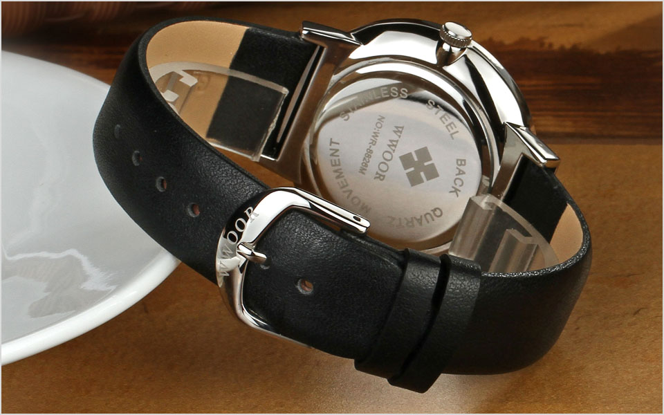 WWOOR Men Waterproof Sports Quartz Wristwatches Mens Watches Top Brand Luxury Gold Leather Strap Wrist Watch Male Analog Clock in Quartz Watches from Watches