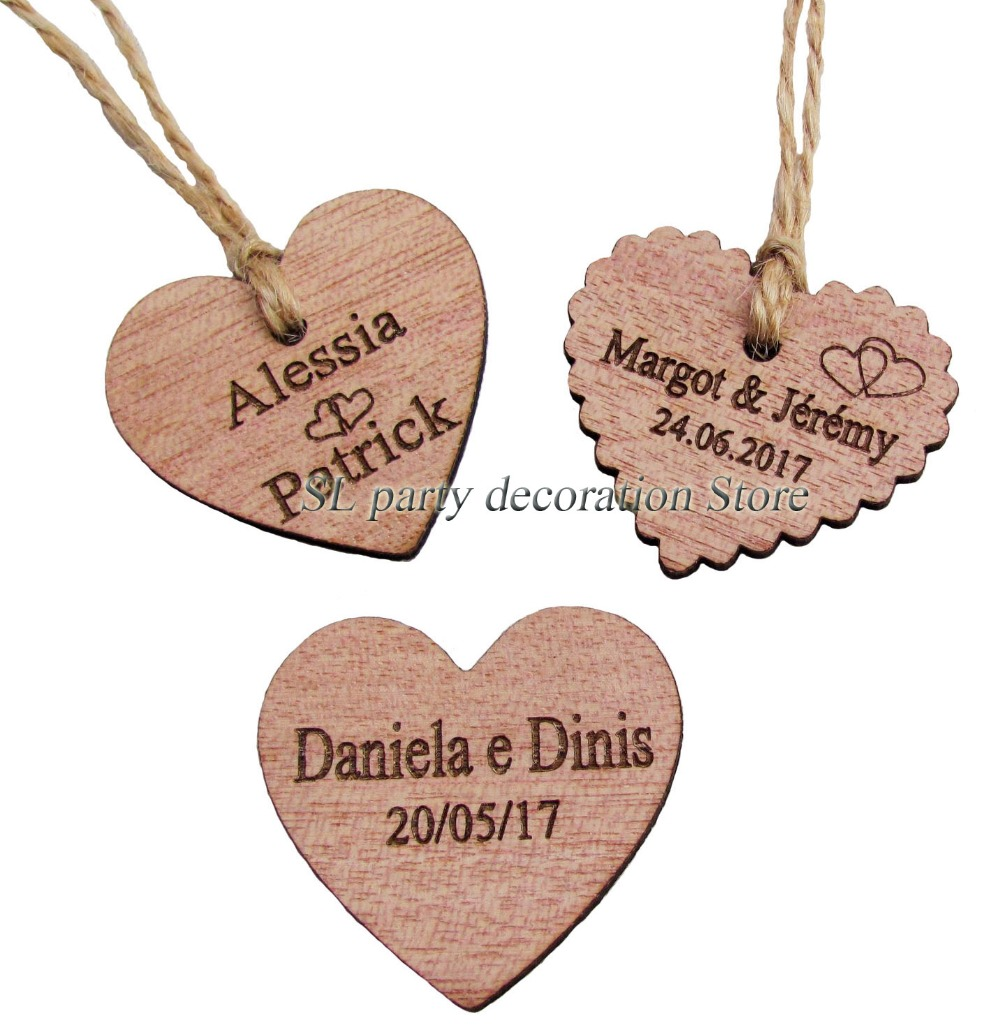 30/50 / 100st Personlig Graveret Bryllup Navn og Dato Wooden Heart Tag Gave Favor Tag Bridal Shower Tag invitation tags