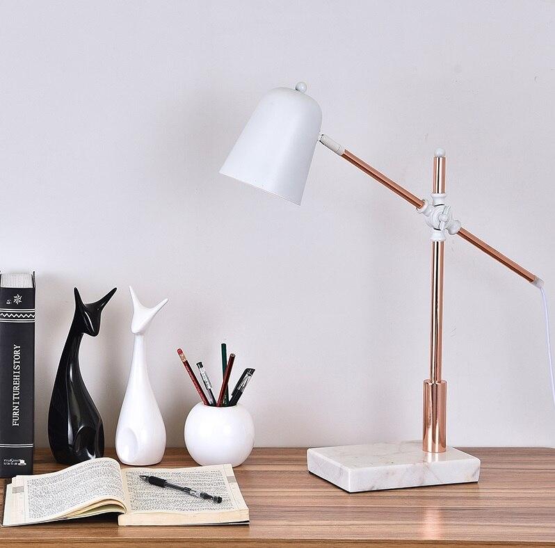 Lampe de Table à bras d'équilibre en finition brillante satinée dorée avec Base en marbre
