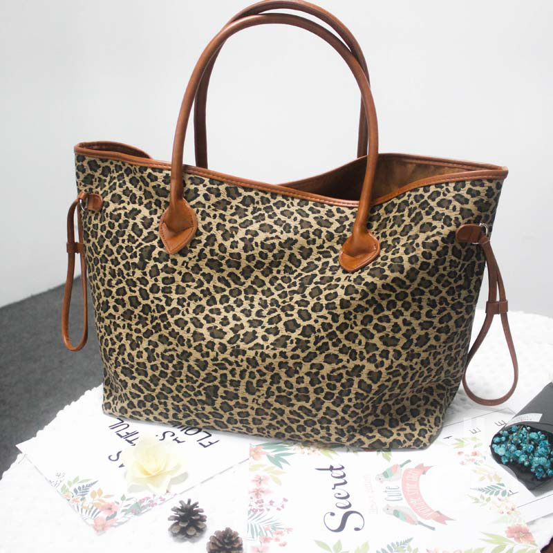 8a7d78e48cfc Black Handle Cheetah Patterns Cord Trim Canvas Tote Bag