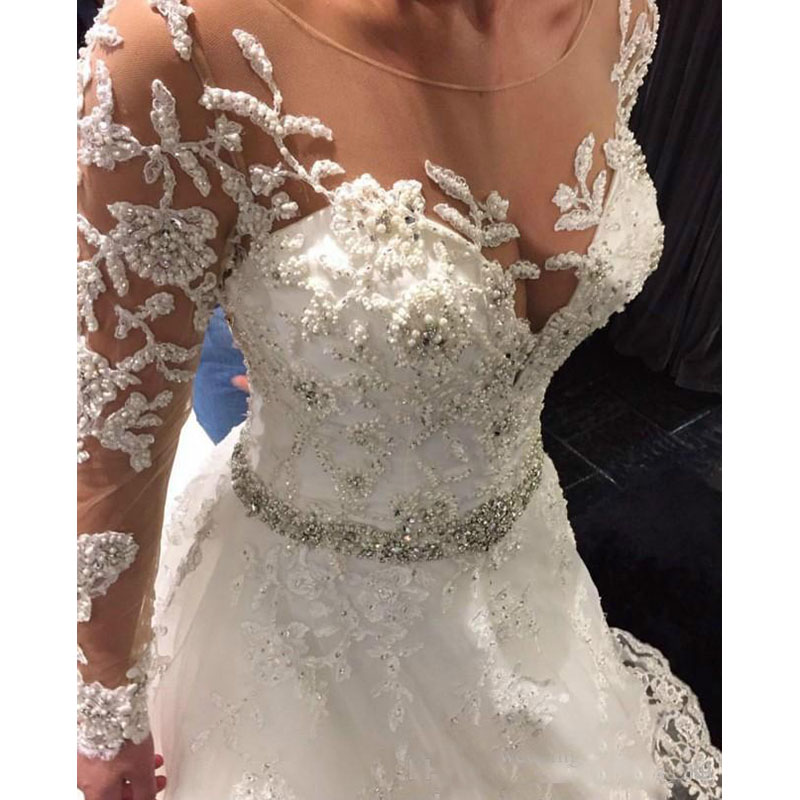 Newest Appliqued Lace Tulle Wedding Dresses 2019 Button