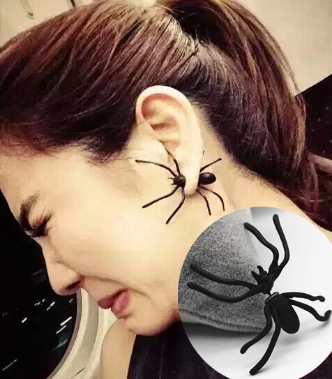 2016 Hot Fashion 1Pair 3D Creepy Black Spider Ear Stud Earrings Hot Selling Unique Punk Earrings For Women Girls Halloween Gifts