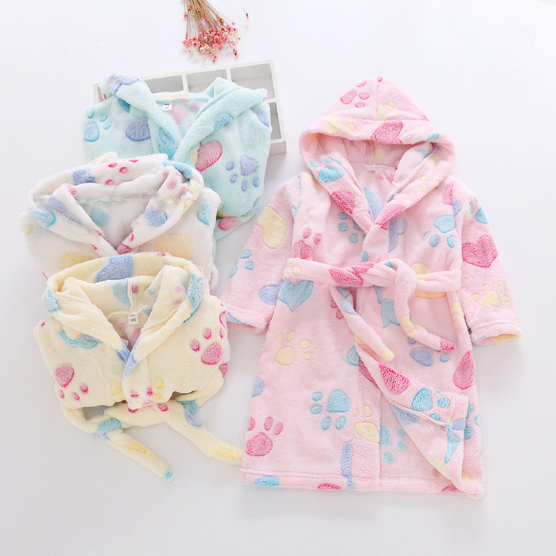 New Flannel Soft Children's Robes For 2-8 Years Baby Kids Pajamas Boys Girls Cartoon Sleepwear Bathrobes Kids Hooded Baby Robes