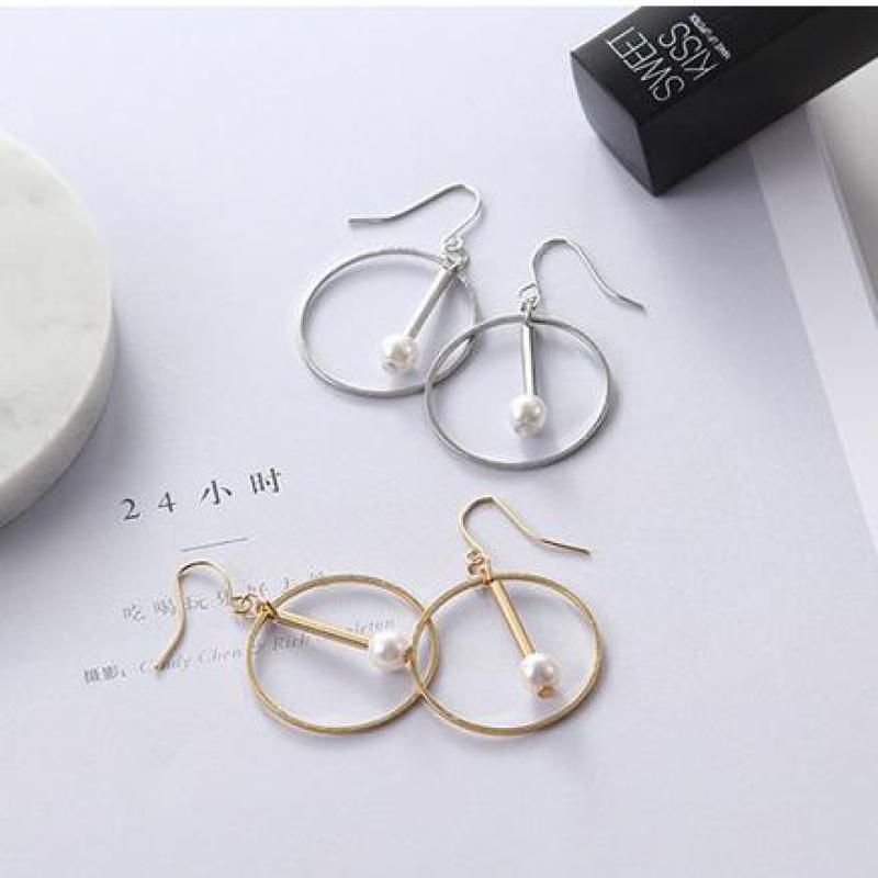 European And American Gold And Round Earrings Fashion Crystal Ornaments Geometric Hollow Earrings And Wholesale
