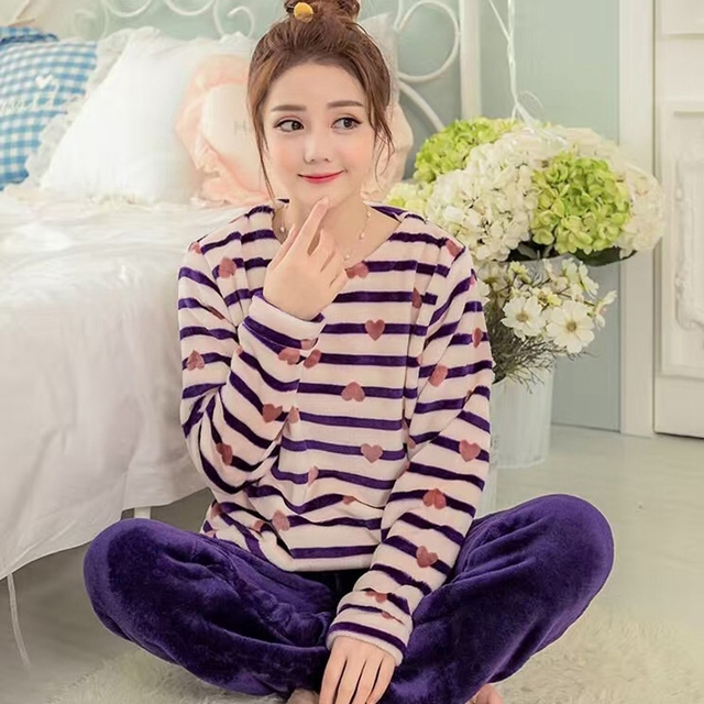 2017  New Winter Ladies Gilrs Patchwork Long Sleeves Warm Coral Velvet Suit Home Striation Cute Bear Soft Pajamas Set for Women