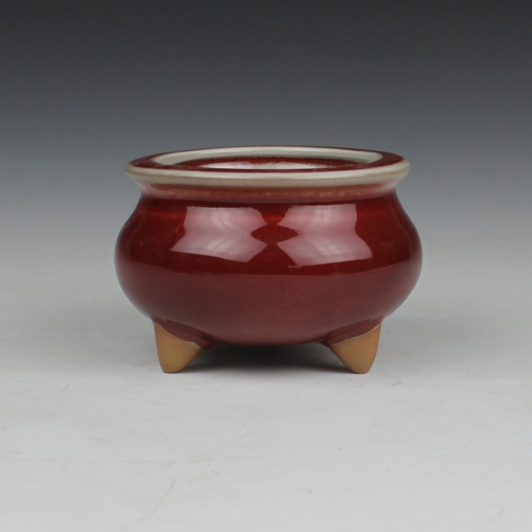 Tailai red jade antique three foot censer Temple furnishings Home Furnishing Jingdezhen ceramics jingdezhen lang jun kiln ceramics antique red censer living room decoration decoration gift home furnishing