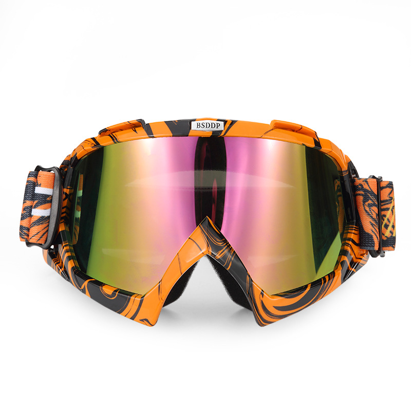 Motorcycle protective Knights equipped with cross country goggles, skiing, sand riding, glasses, outdoor anti fog goggles.