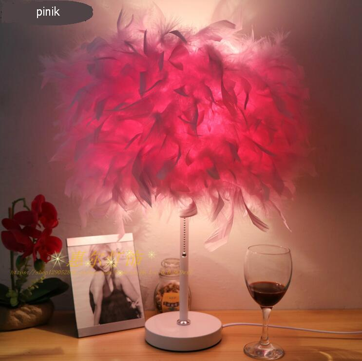 Creative living room lighting feather table lamp European style wedding celebration decorative lamp bedroom bedside lamps xl7215 personalized decorative color feather creative wallpaper