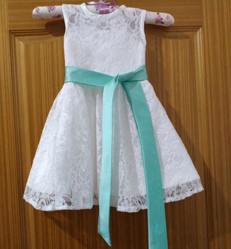 2017 Latest Lace Flower Girl Dresses Sashes Bow Party Pageant Dress for Little Girls KidsChildren Keyhole Dress for Wedding